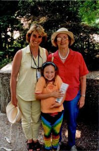 1998 DC_Barbara Davies with mother & daughter!