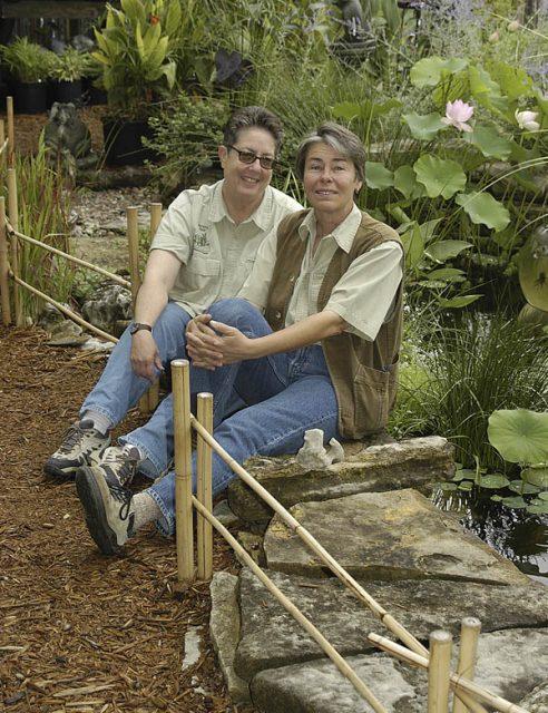 Susan Davis, Debbie Spencer